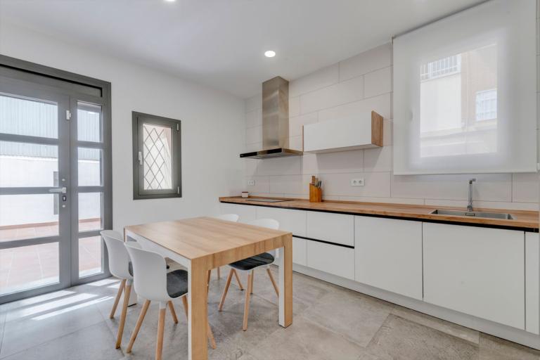 Reforma integral de vivienda, diseño de interior, diseño de cocina, en F. Soler, realizado por Dromstudio